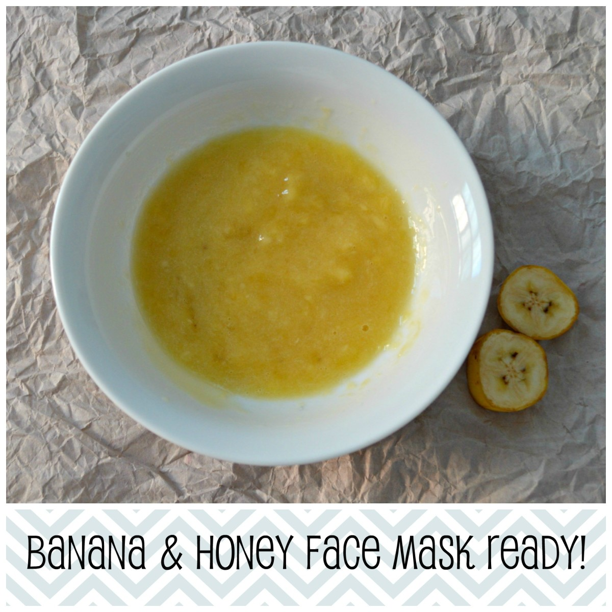 Your face mask is ready now! Apply on a clean face with clean fingers!