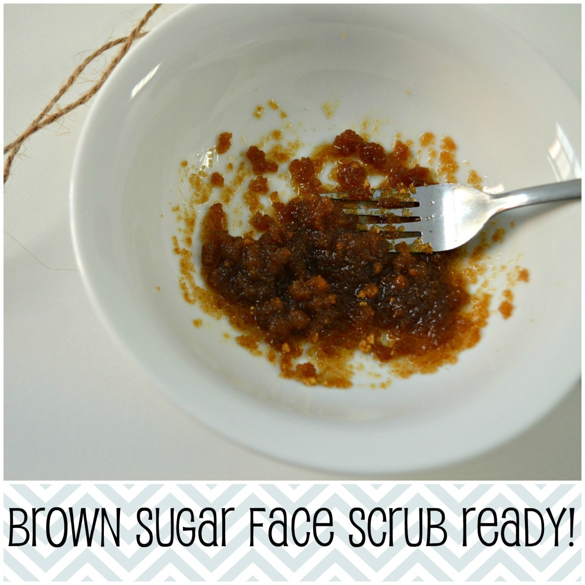 Now your brown sugar scrub is ready! Apply with clean fingers on a dry washed face.