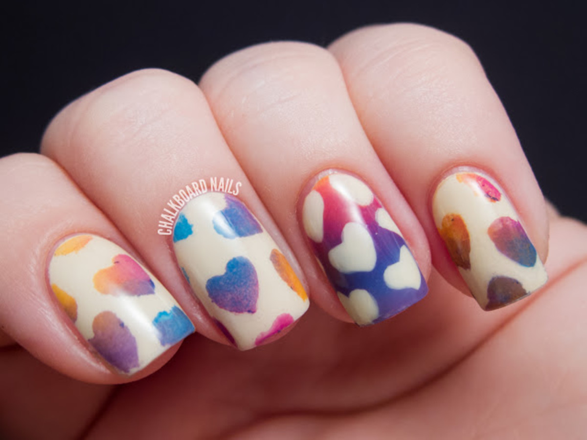 Nails with a gradient design on top.