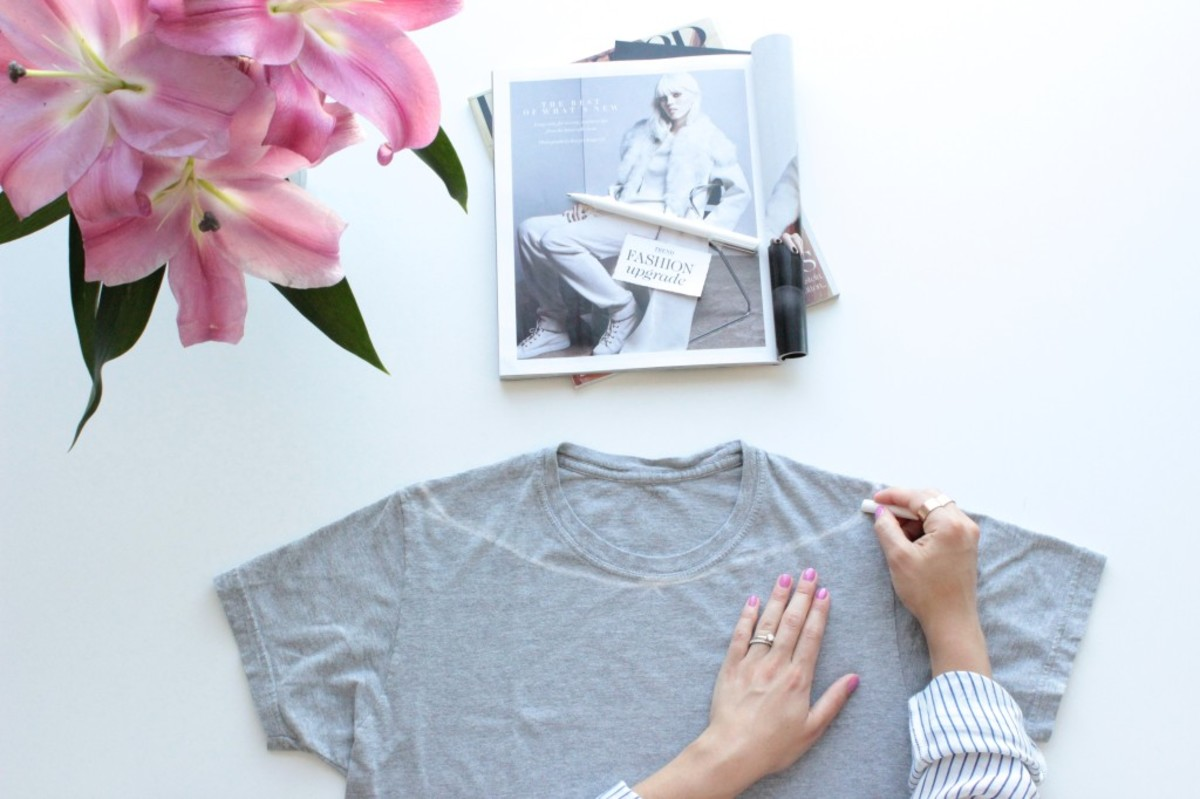 off-the-shoulder-diy-with-old-t-shirt