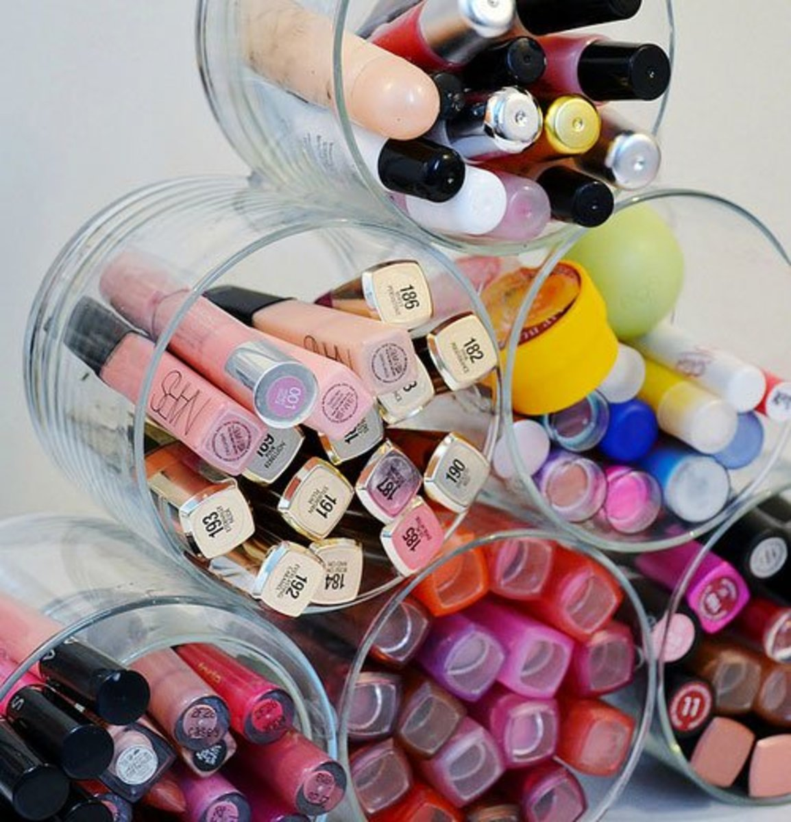 Repurpose Old Candle Jars | DIY Makeup Organization Ideas