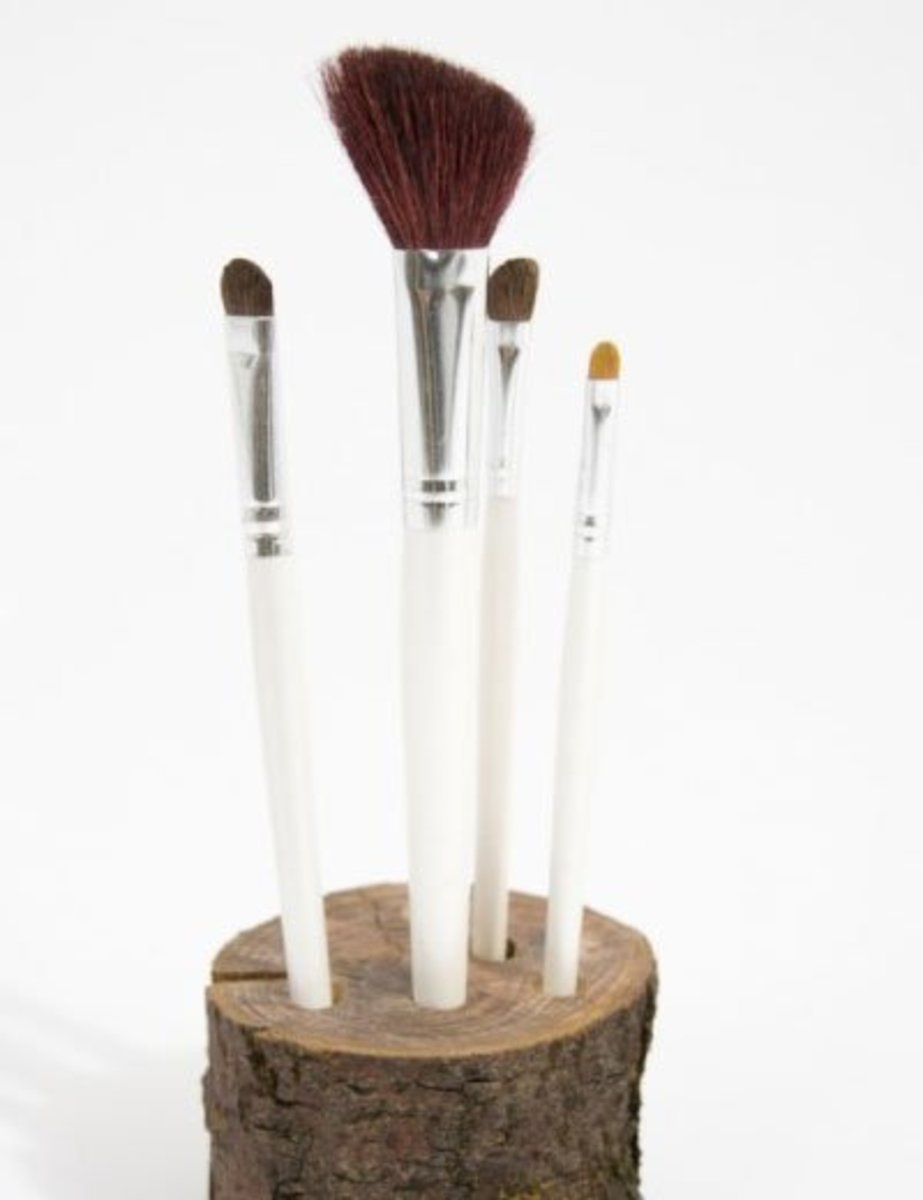 DIY Brush Stand | DIY Makeup Organization Ideas