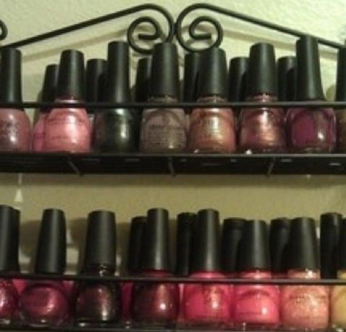 Spice Rack for Nail Varnish | DIY Makeup Organization Ideas