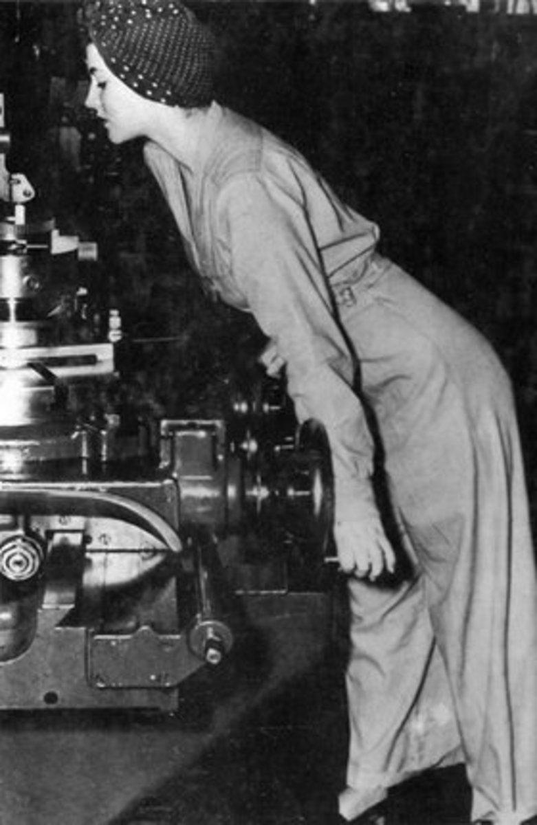 1942 photograph of Geraldine Hoff.
