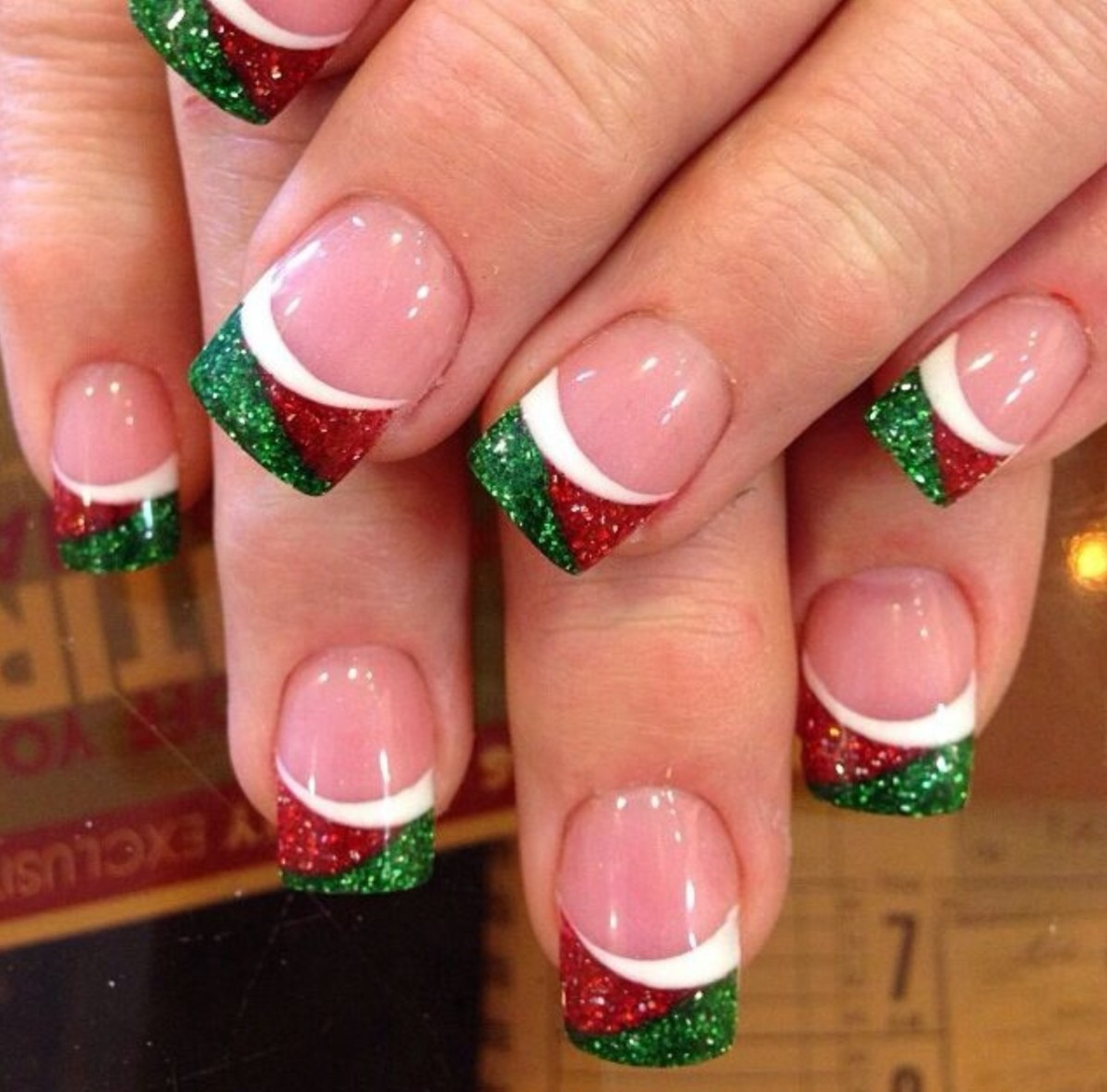 20 awesome holiday nail designs for short nails bellatory fashion and beauty 20 awesome holiday nail designs for