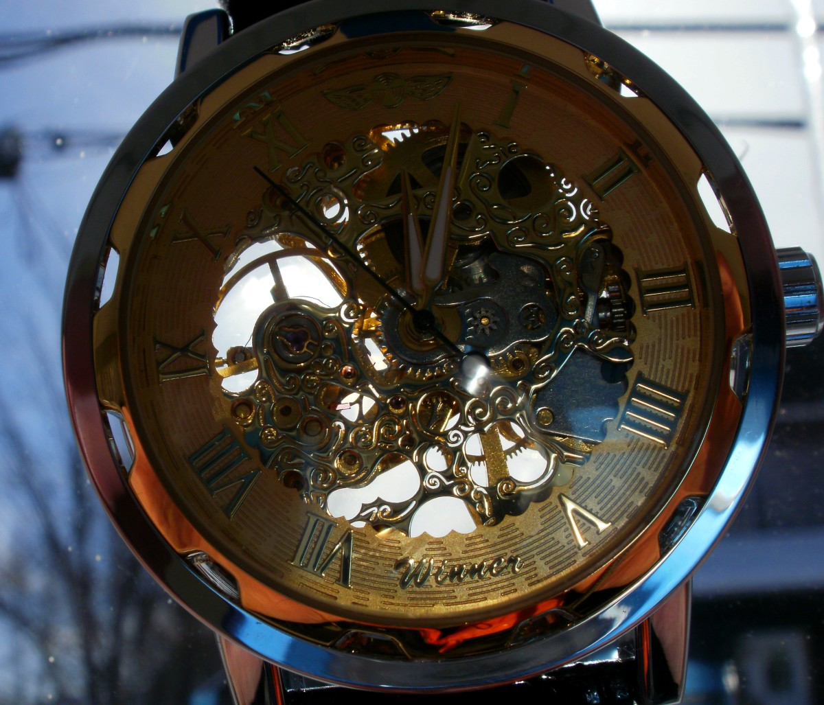 review-of-the-winner-mens-luxury-semi-mechanical-skeleton-watch-387588