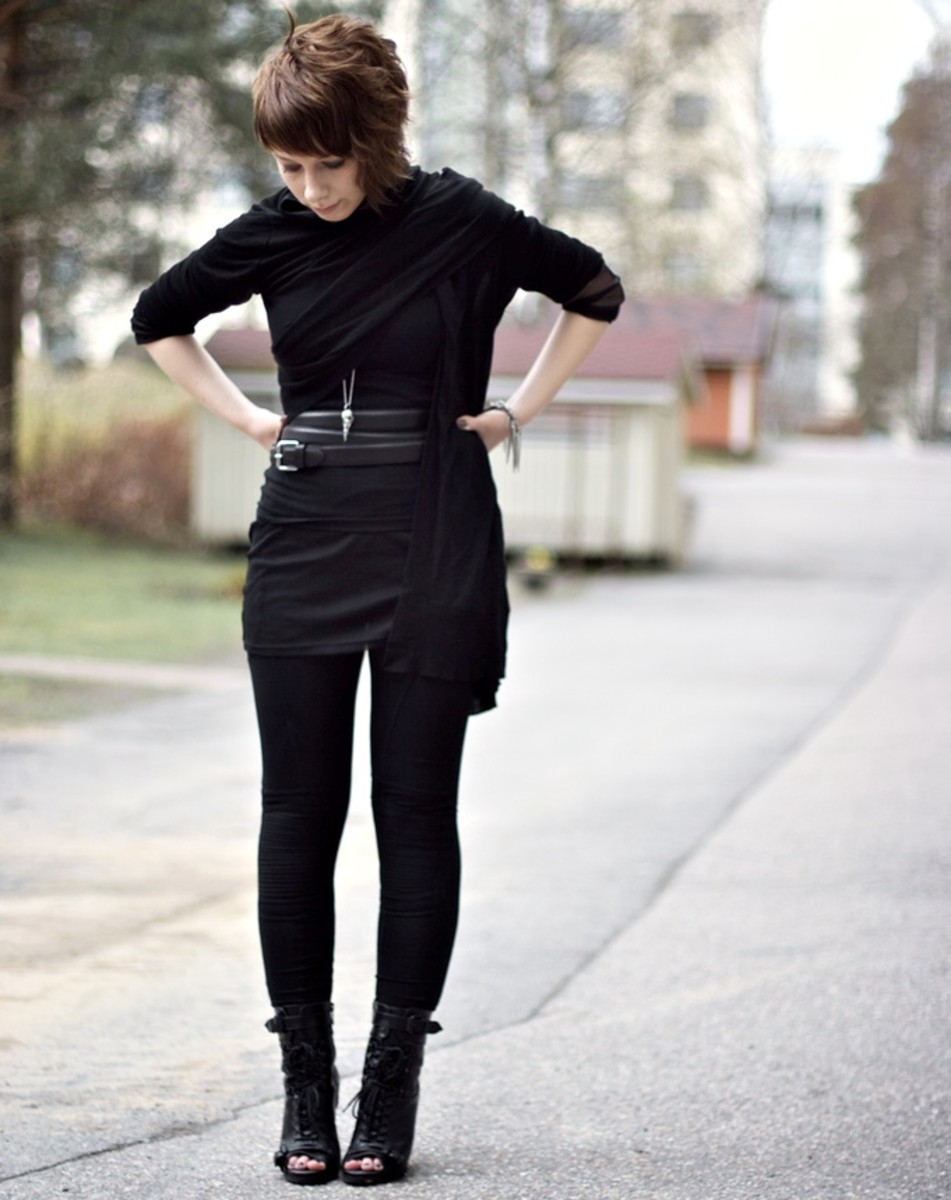 What to wear with black leggings