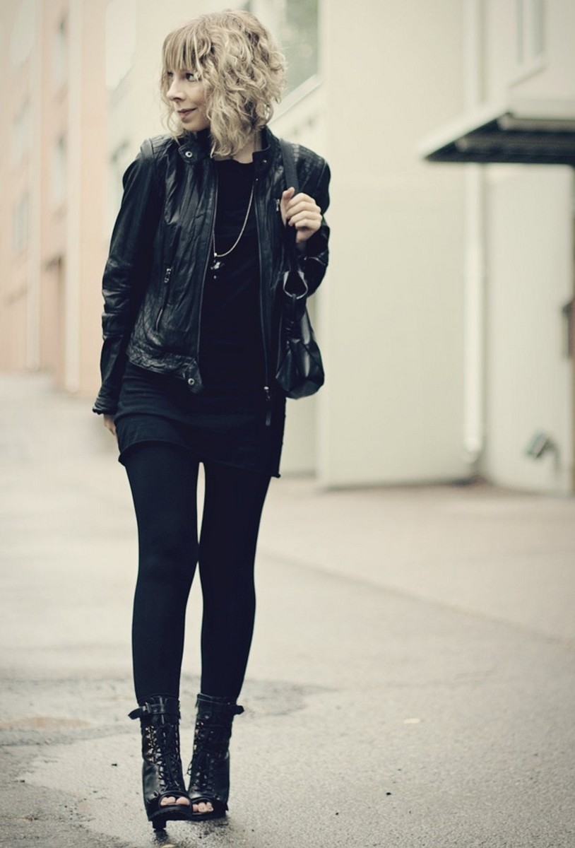 Black leggings outfits