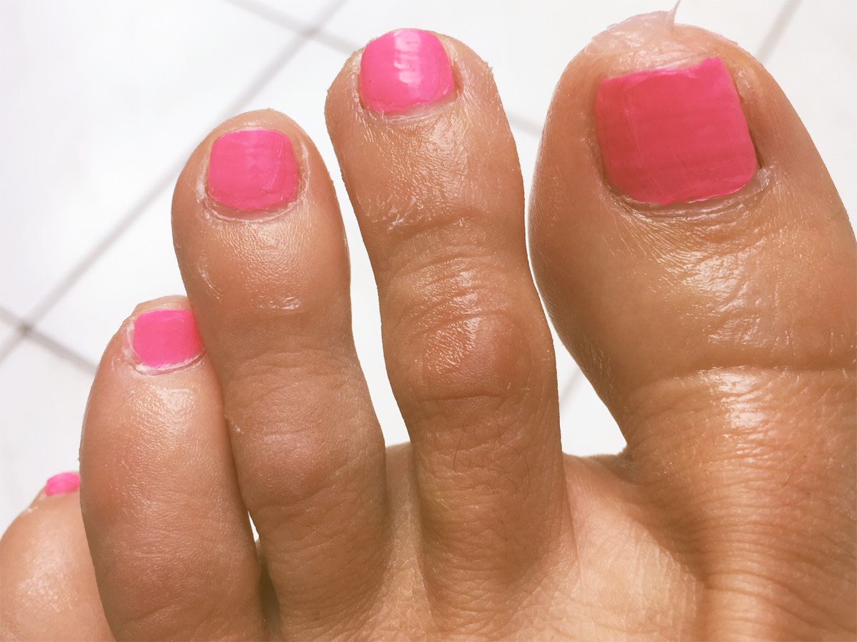 Paint Nails Neatly With The Help of Vaseline