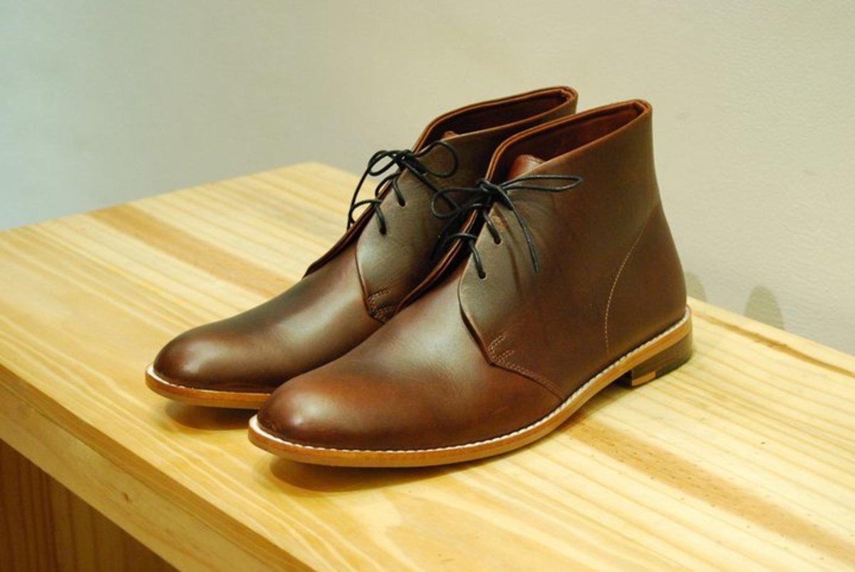 Desert boots/chukkas.