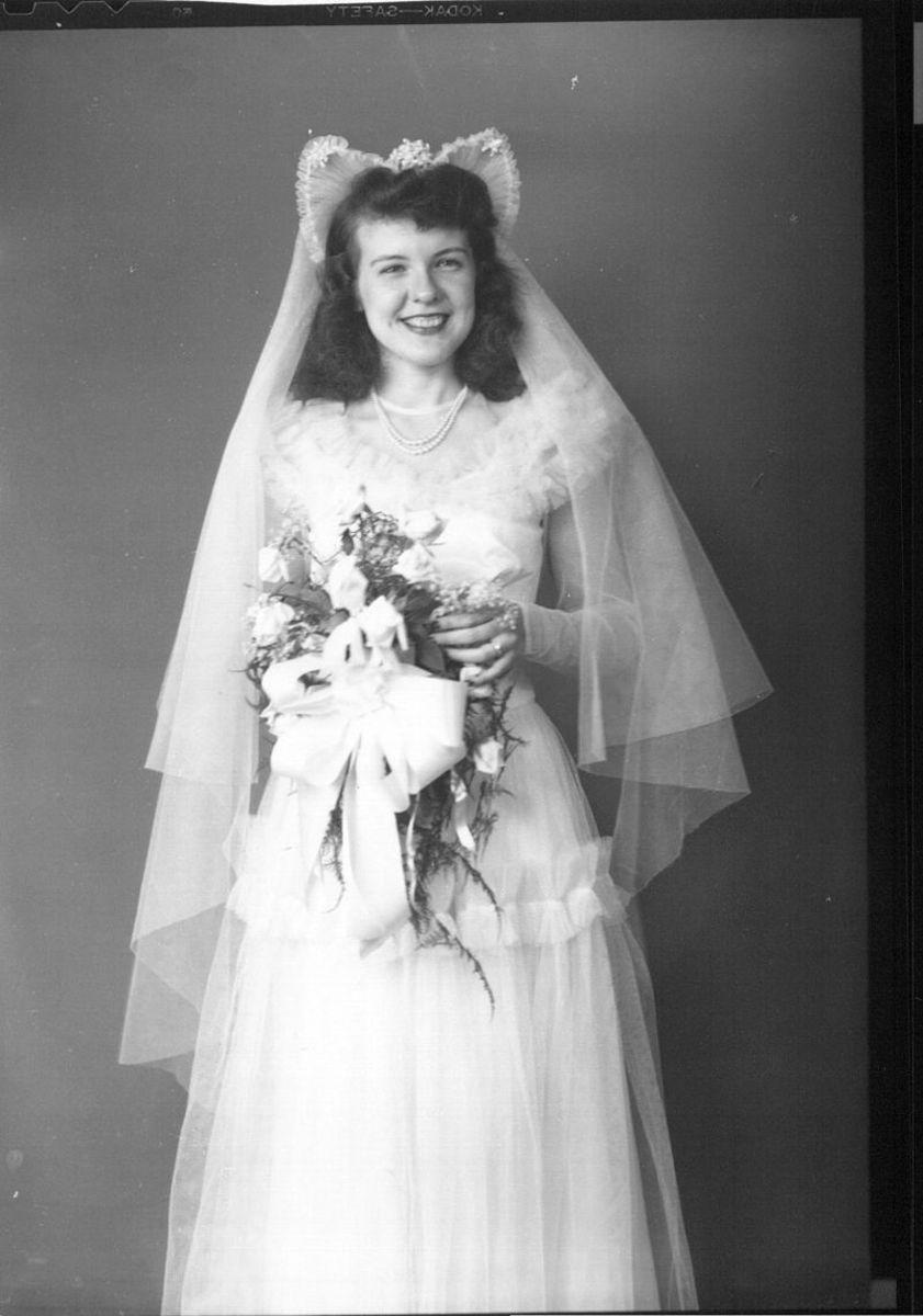 Ceremonial dress - bridal gown