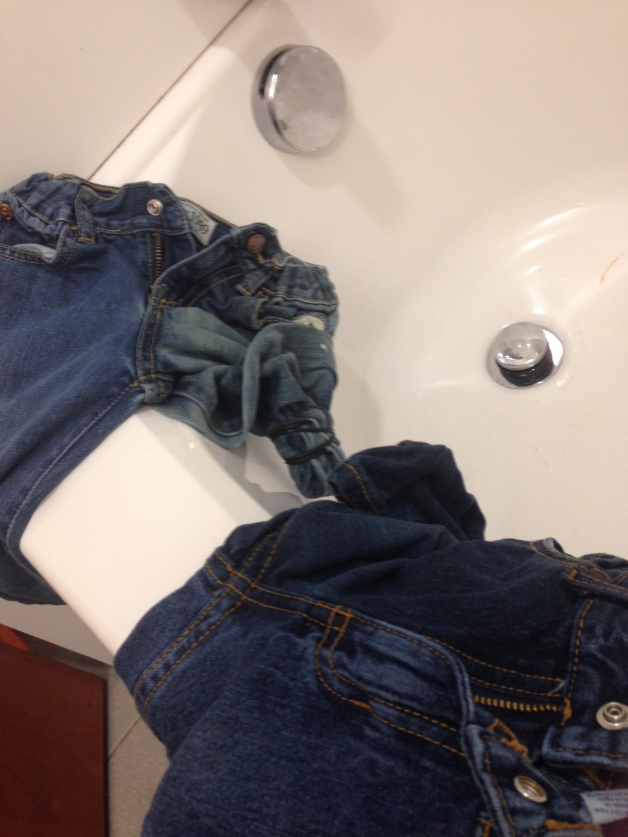Jeans after 15 minutes.  As you can see, the Original Brand bleach a lot faster than the sonoma jeans.