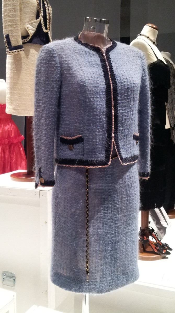 1965 version of Chanel's classic suit