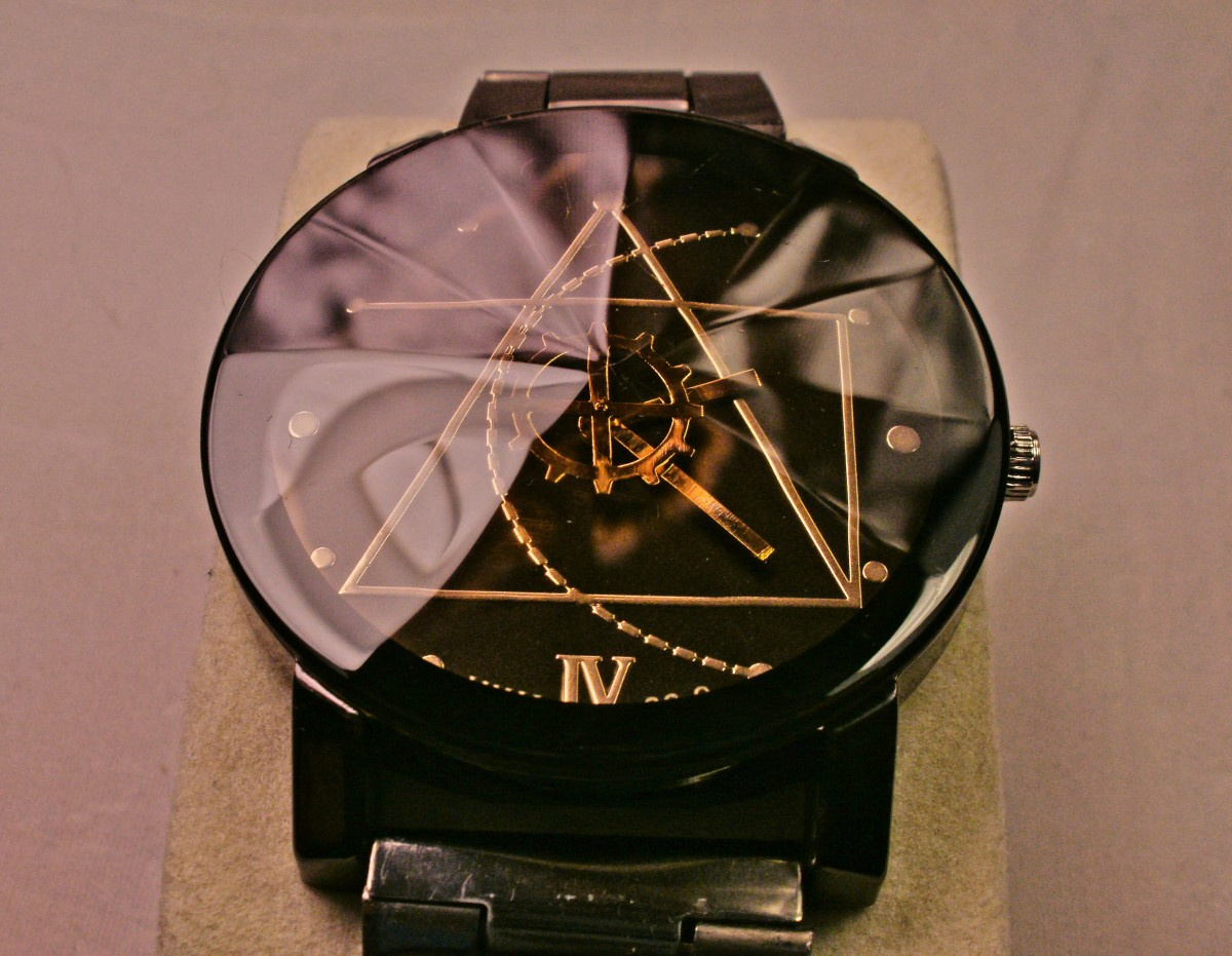 Note that the incorrect Roman Numeral is printed at the bottom of this JWH 88-9 timepiece.