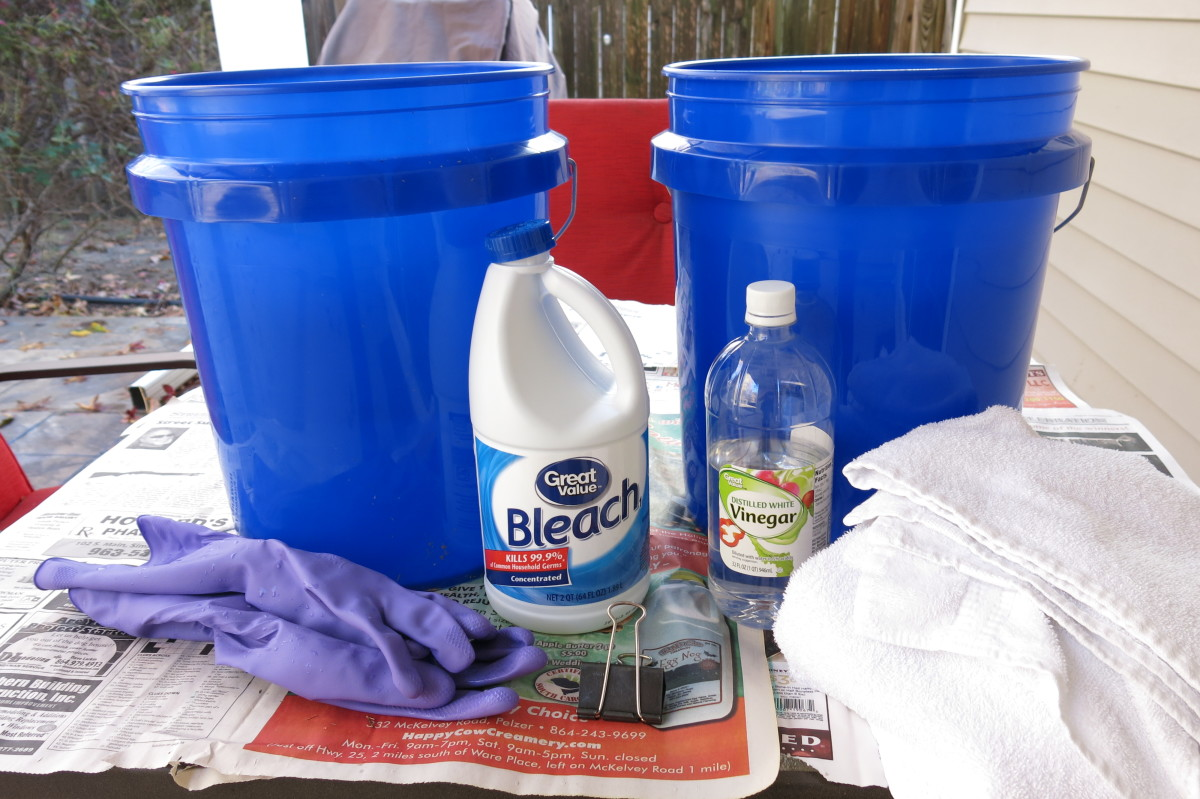 Materials for ombre bleaching a shirt at home