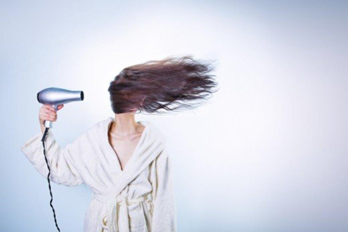 Coconut oil prevents hair damage.