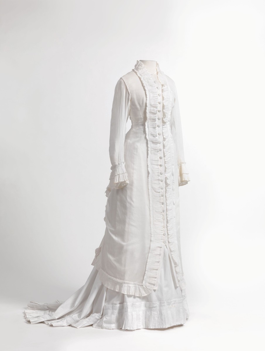 Princess line dress in lightweight cambric (closely woven white linen or cotton)