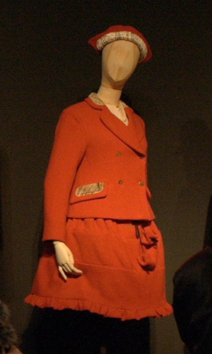 Vivienne Westwood's mini-crini.