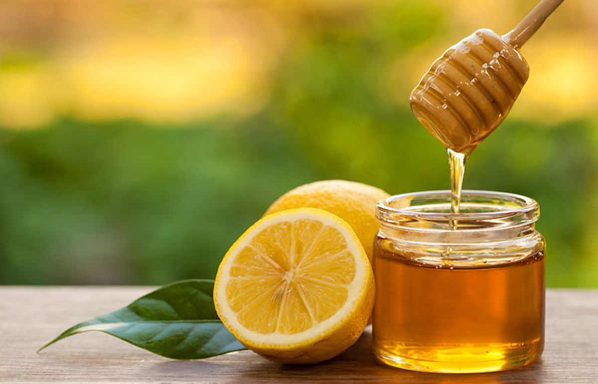 Anti-Aging Honey and Lemon Face Mask