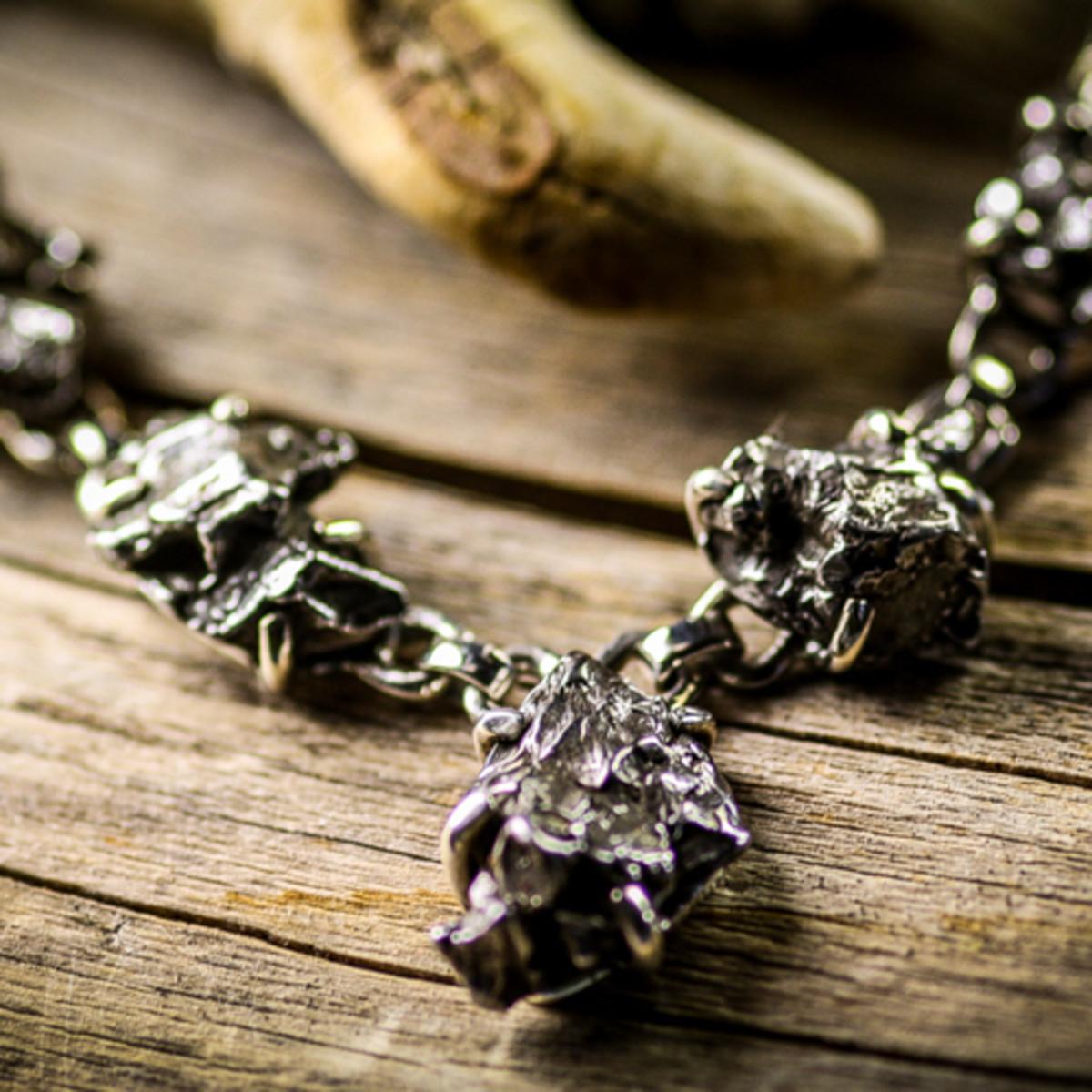 A meteor chain