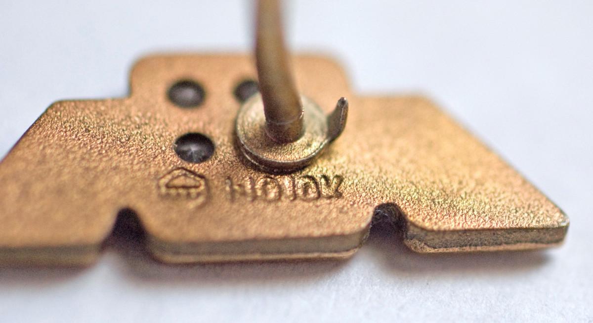 10K gold pin