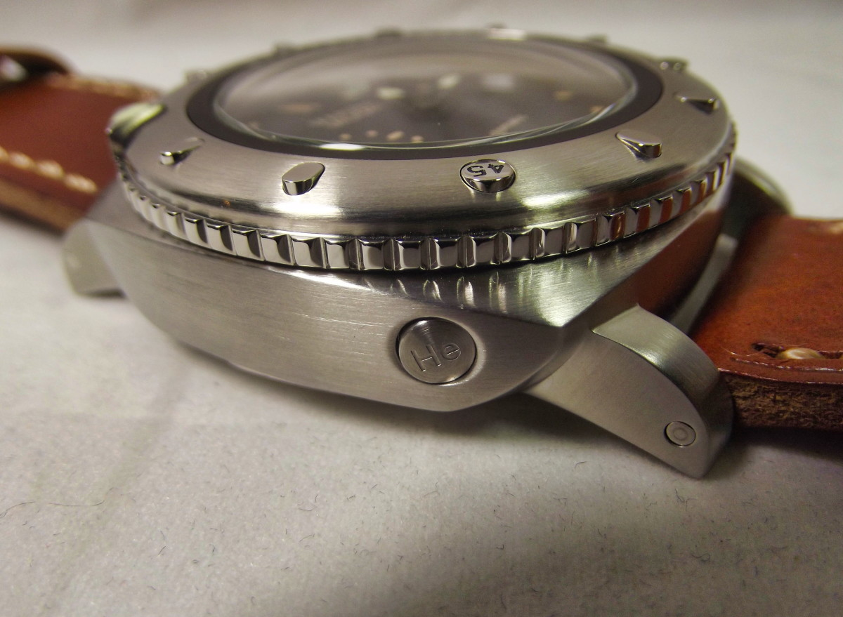 Parnis Marina Militare Automatic.  Note the fake helium release valve