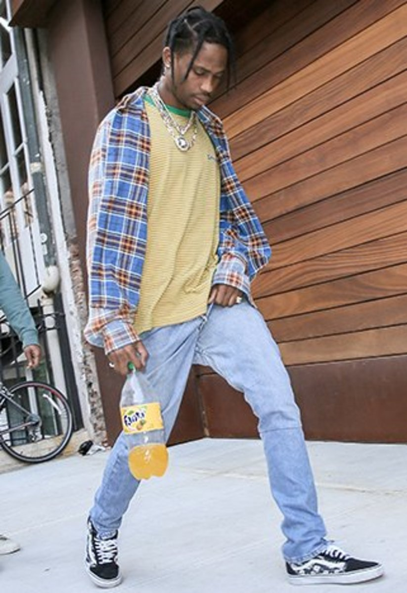 Look at Travis! Light blue jeans, flannel, and a bright color pallette! A good start!