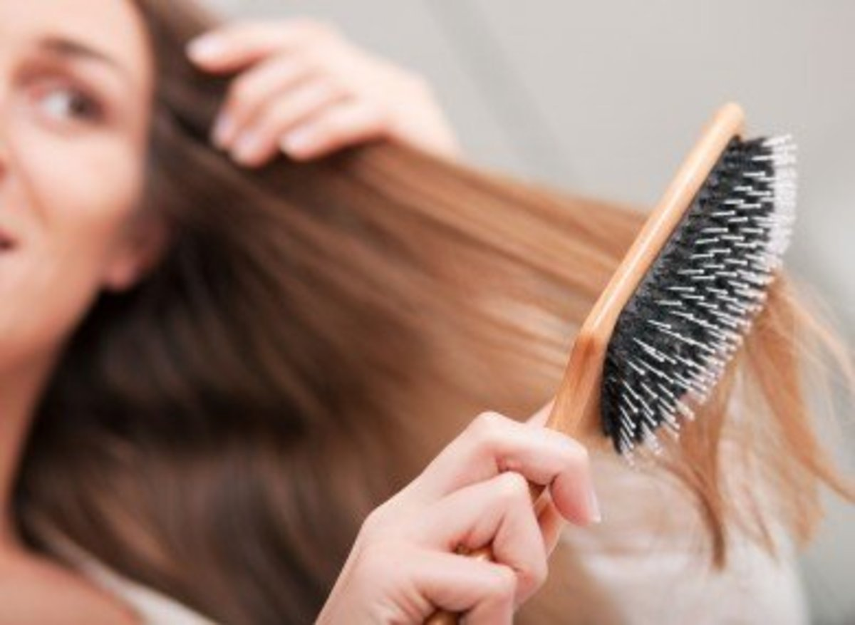 Make sure your hair is dry before brushing it.