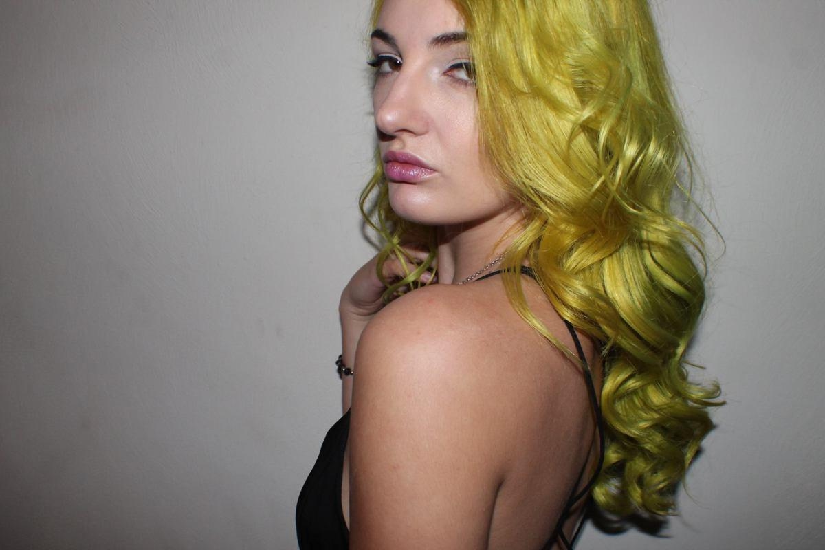 arctic-fox-cosmic-sunshine-hair-dye-review