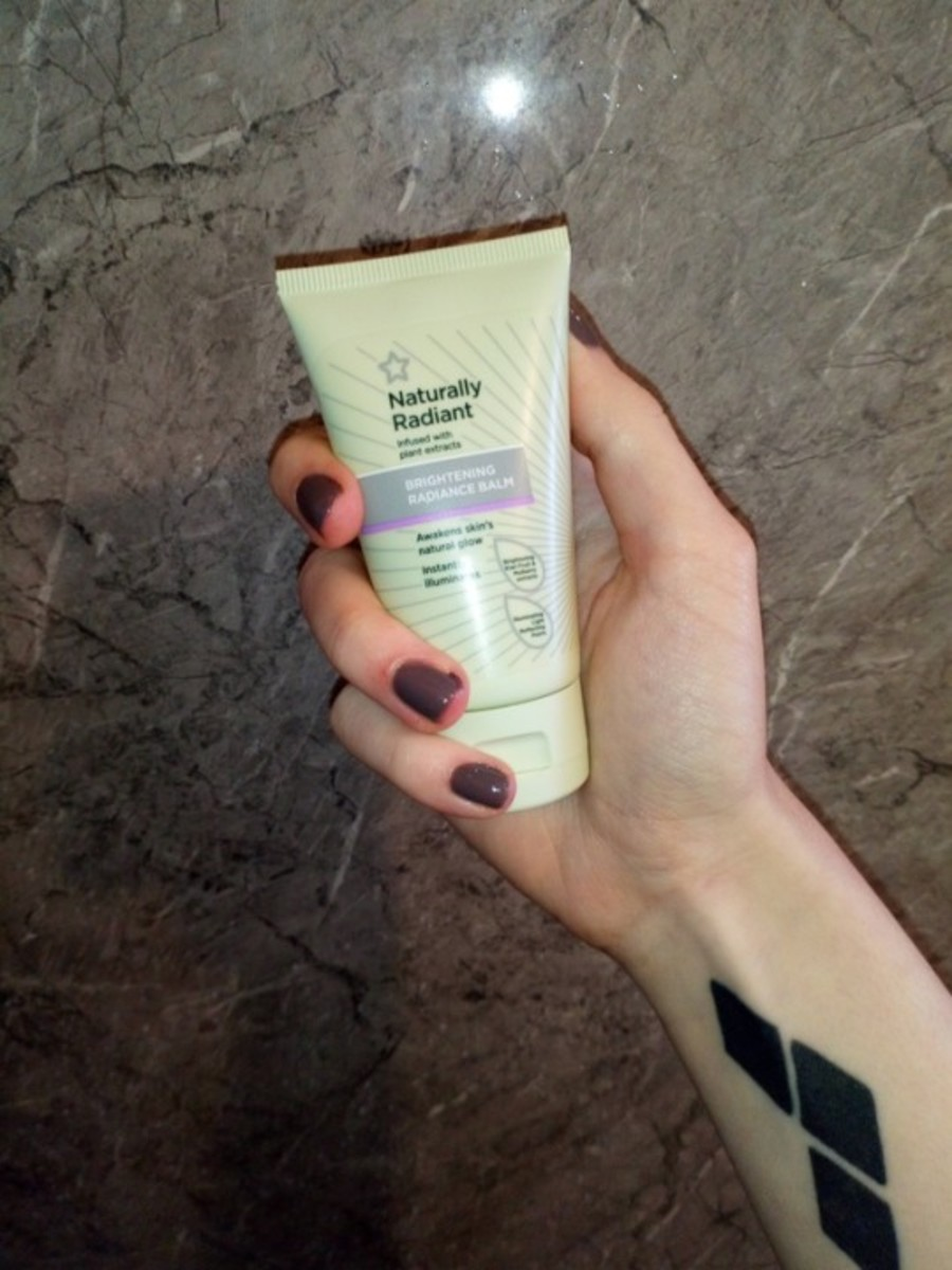 Like the cleanser, the Brightening Balm is created from plant extracts, kiwi fruit and mulberry