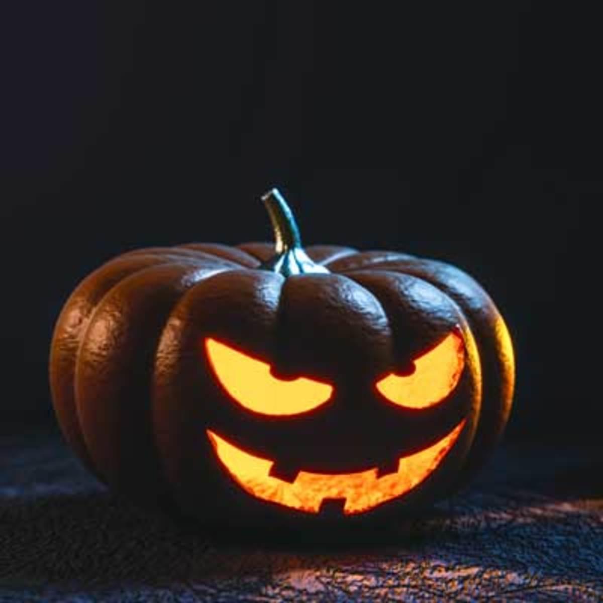 spooky-hallowen-night