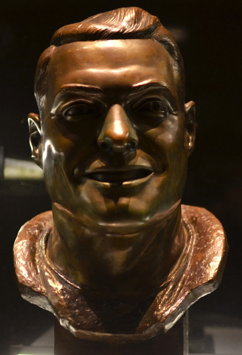 The bust of former Cleveland Browns wide receiver, Dante Lavelli, as seen in the Pro Football Hall of Fame.