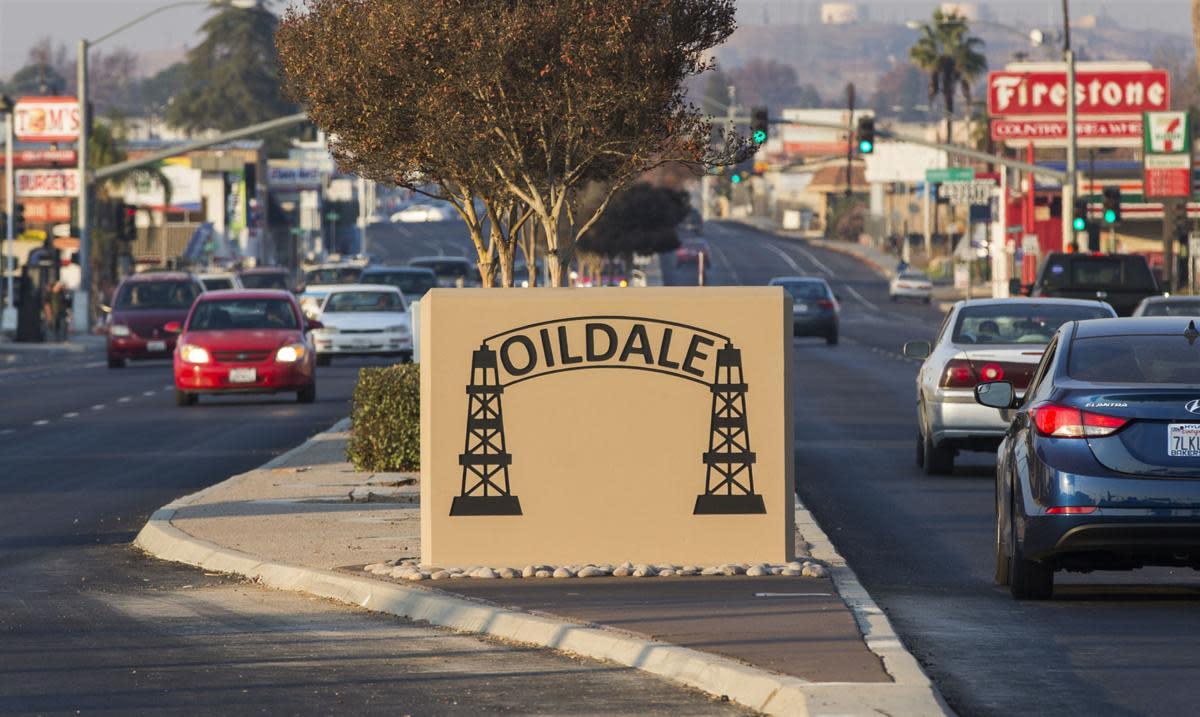 Chester Avenue, Oildale, CA