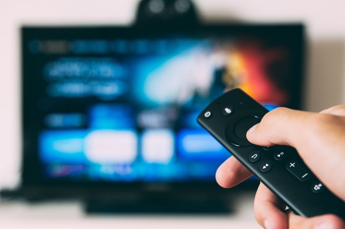 The Pros and Cons of TV Streaming Services