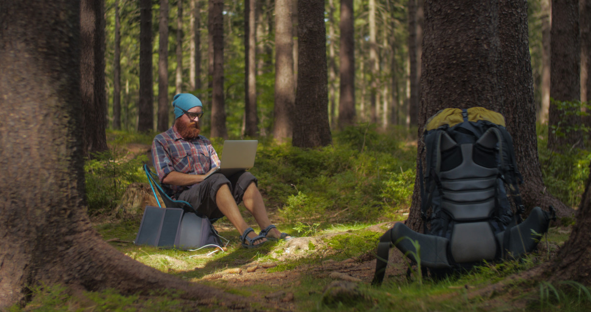 Digital Nomad can work from any location