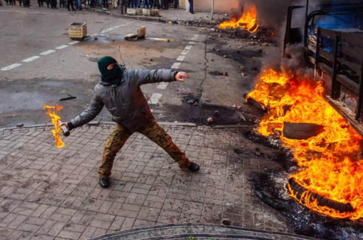 Revolution - the Moment When the Bubble Bursts