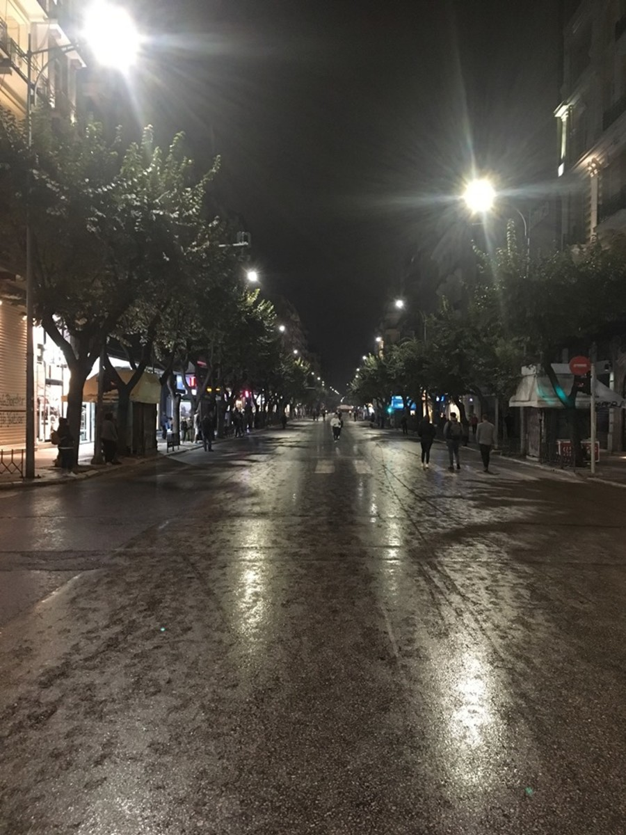 One of the main streets in Thessaloniki, blocked off so the people can march!