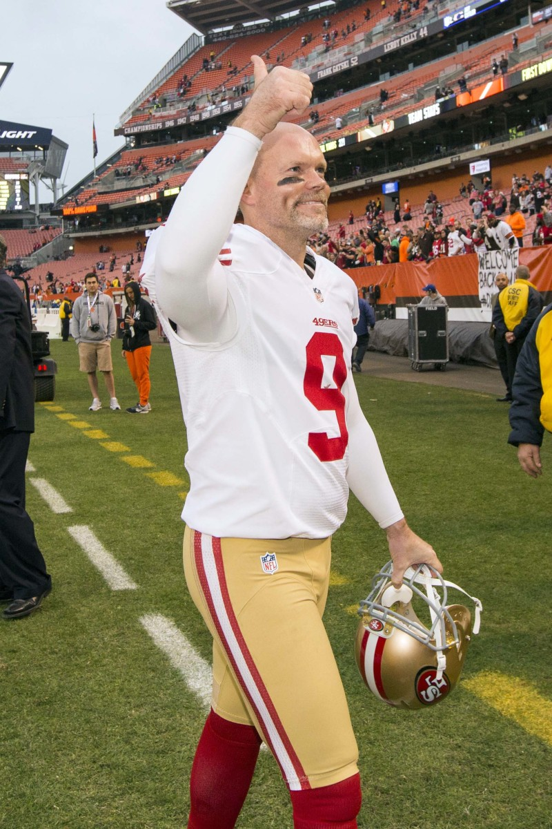 San Francisco 49ers kicker, Phil Dawson, gives a thumbs up following a 2015 game against the Cleveland Browns at FirstEnergy Stadium, which would be his last against his former team. He played for the Browns for 14 seasons.