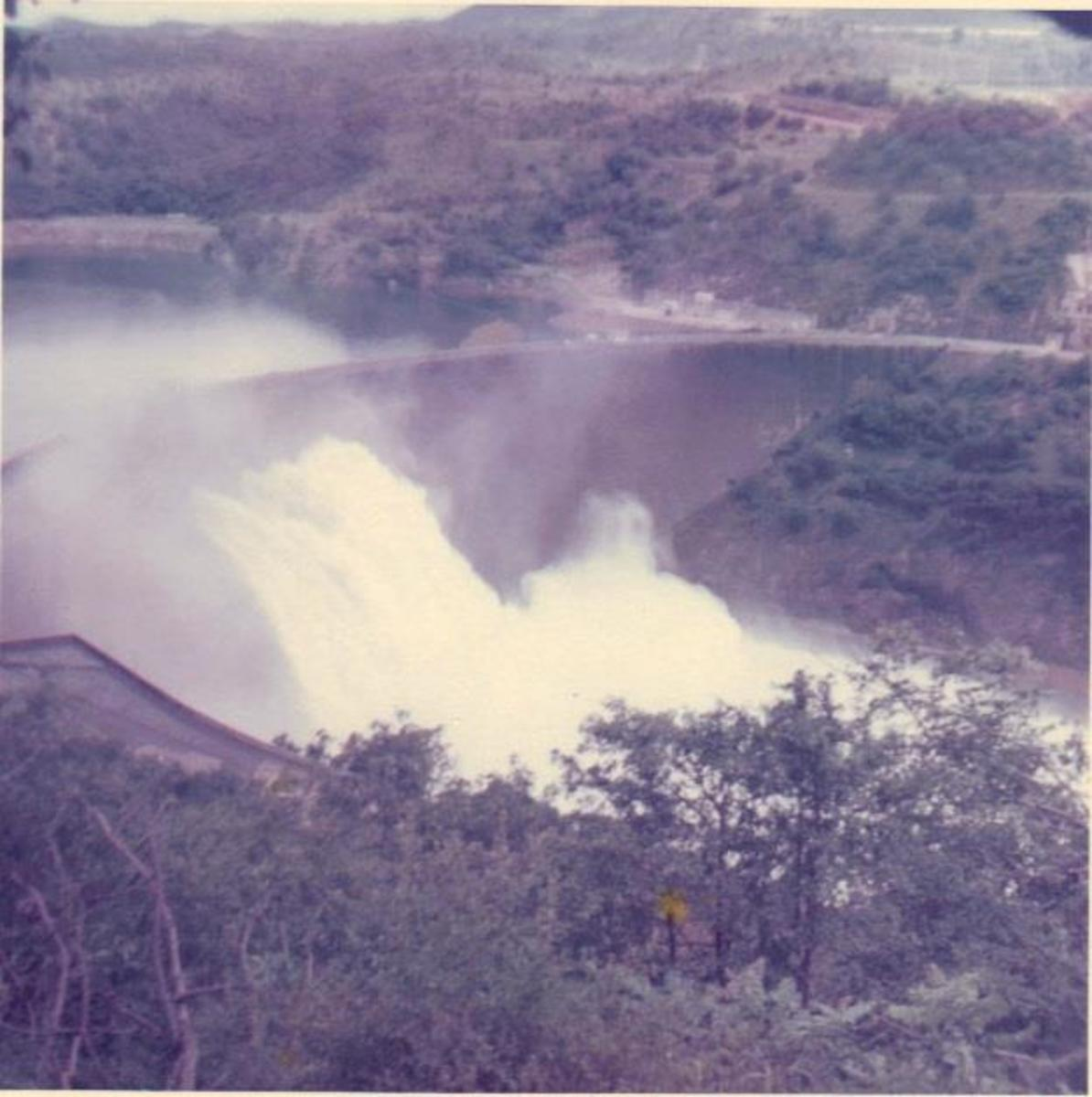 Kariba dam wall with all four turbine gates open