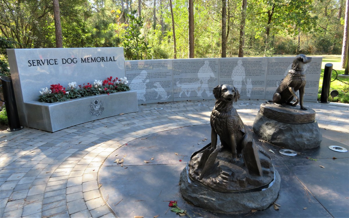 Service Dog Memorial in Houston