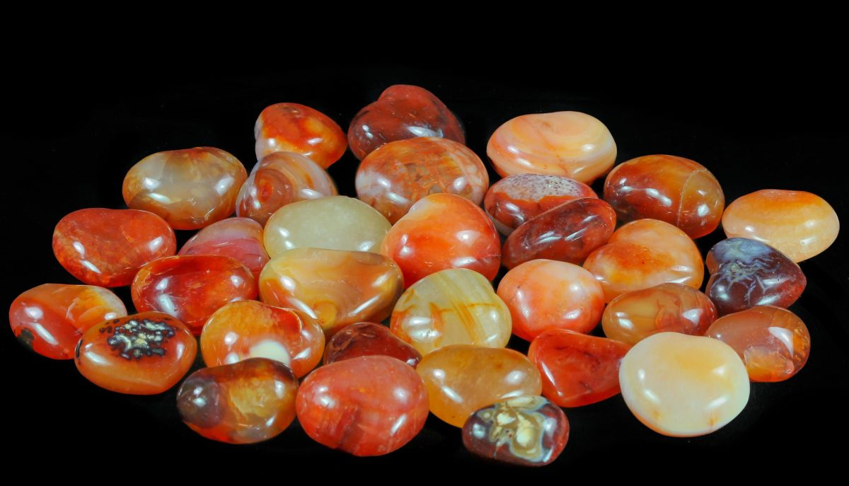 Carnelian: Formation, Characteristics, and Folklore