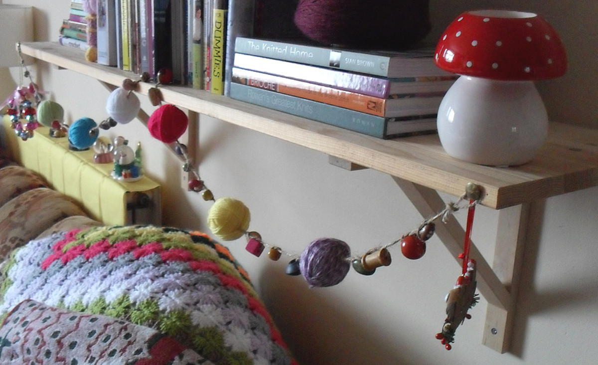 How to Make a Yarn Ball Garland