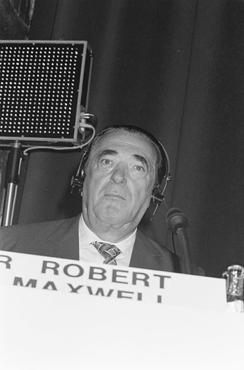 Robert Maxwell at a Global Economic Panel in Amsterdam in 1989.