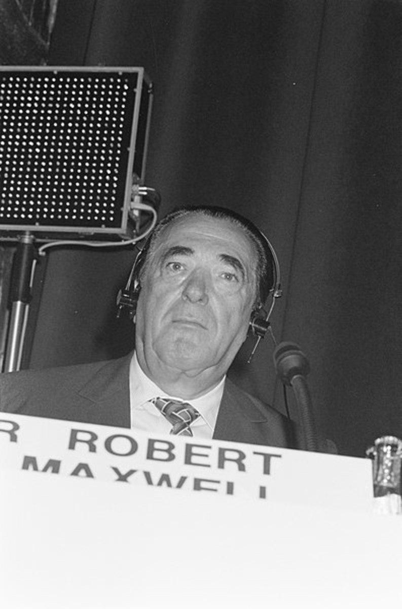 The Dark World of Robert Maxwell