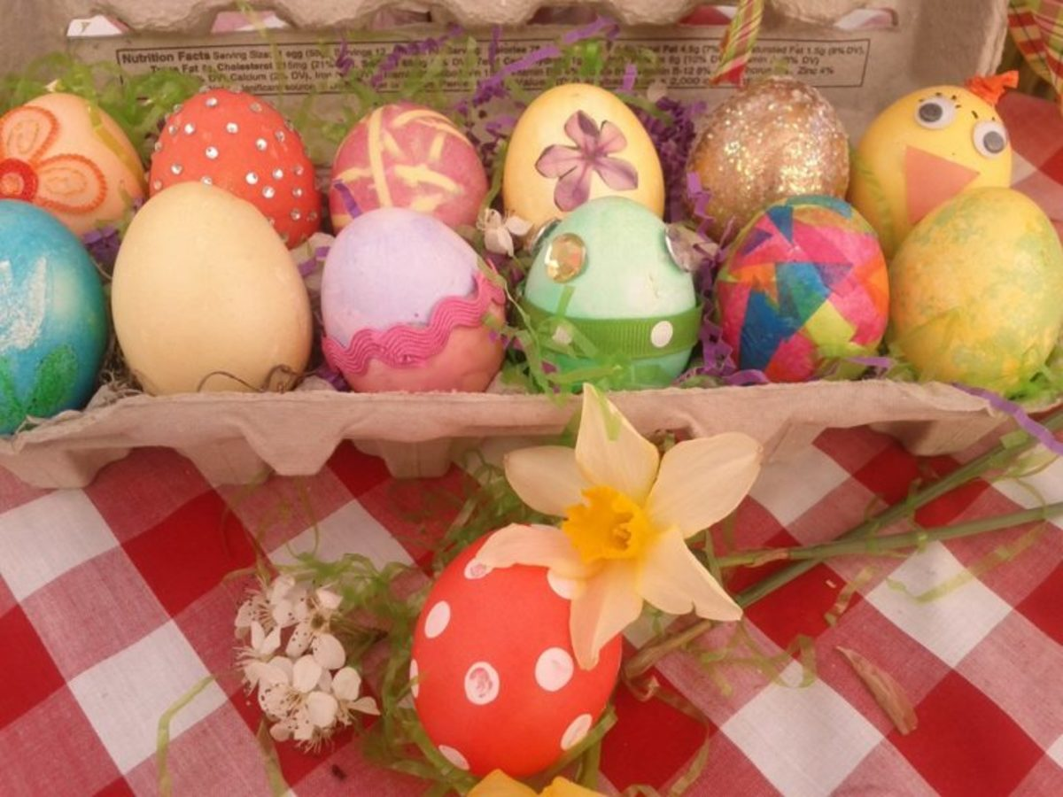 This carton of Easter eggs has quite a lot going on! Learn how to create fanciful eggs like these using the ideas below.