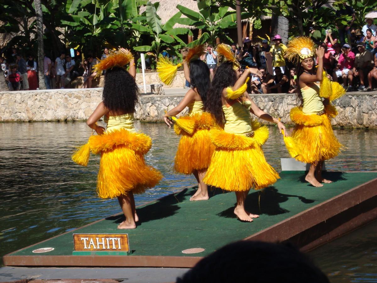 Cute hula dancers doing their seducing routine