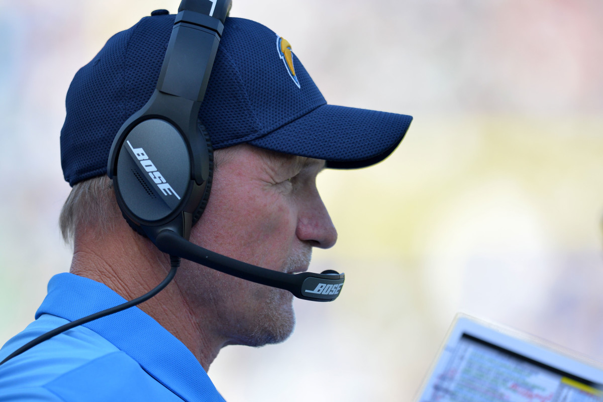 Former Arizona Cardinals head coach, Ken Whisenhunt, watches the action in 2017 as the offensive coordinator for the San Diego Chargers. He remains the only head coach to ever take the Cardinals to a Super Bowl.