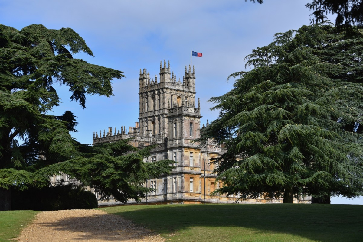 """A Day Trip to Highclere Castle for """"Downton Abbey"""" Fans"""