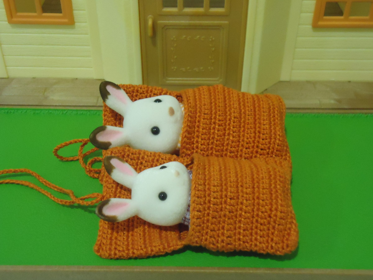 Sylvanian Families Sleeping Bag (Free Crochet Pattern)