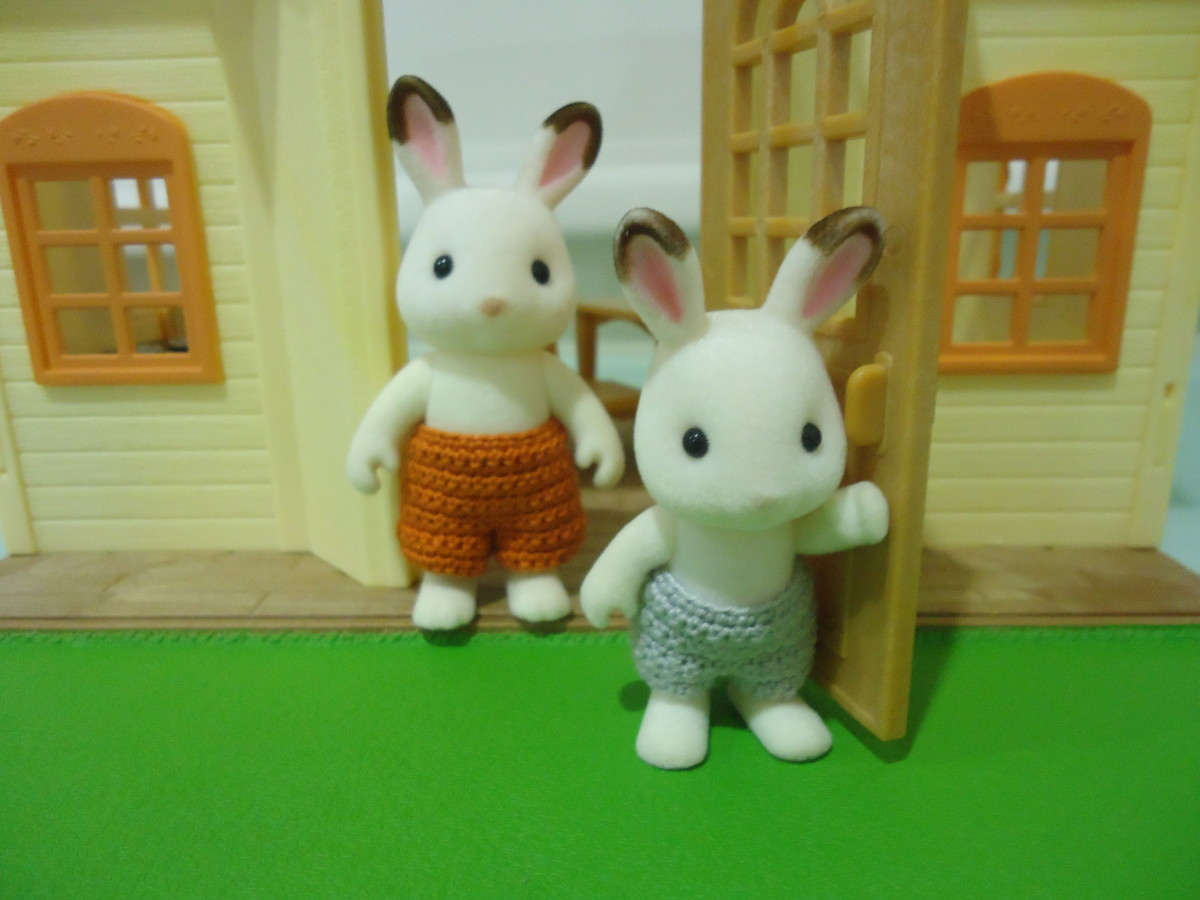 Sylvanian Families Swimming Trunks (Free Crochet Pattern)